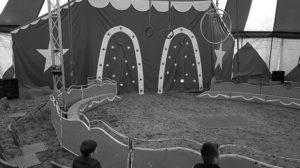 Au cirque Mange-tes-morts